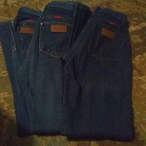 3pairs of wrangler jeans